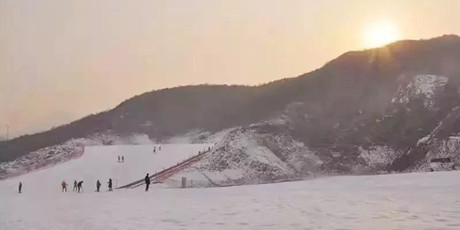 【元旦特惠】【红崖谷滑雪场滑雪来袭】29.9元享门市价120元红崖谷滑雪场门票!全天滑雪不限时!感受滑雪带来的刺激体验吧!