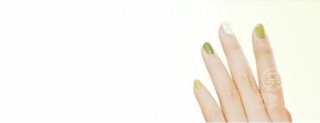 【新年福利】网红奈瑞儿ins美甲来啦!只要9.9元~ 让你新年bling bling闪亮登场!深圳61店|全国173家门店通用!